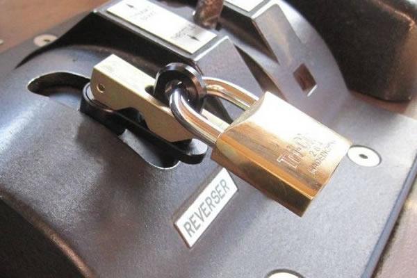 Throttle Lockout Device